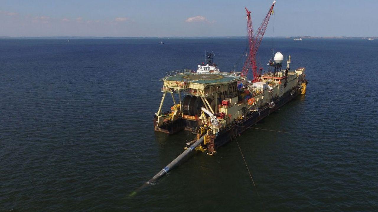 Przedstawiciele firmy Allseas poinformowali rano, że wstrzymują pracę przy budowie Nord Stream 2 (fot. Sean Gallup/Getty Images)