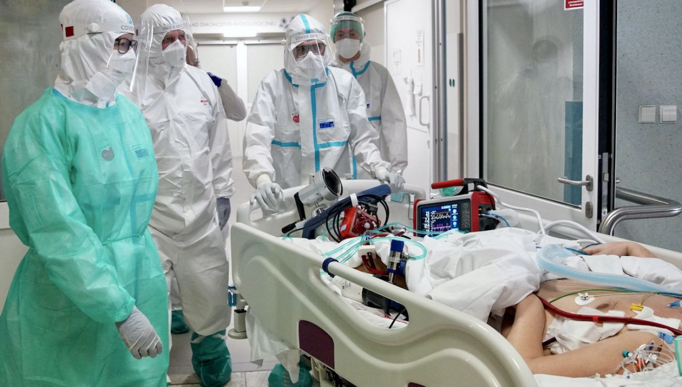 Raport o stanie epidemii COVID-19 w Polsce (fot. PAP/Leszek Szymański)