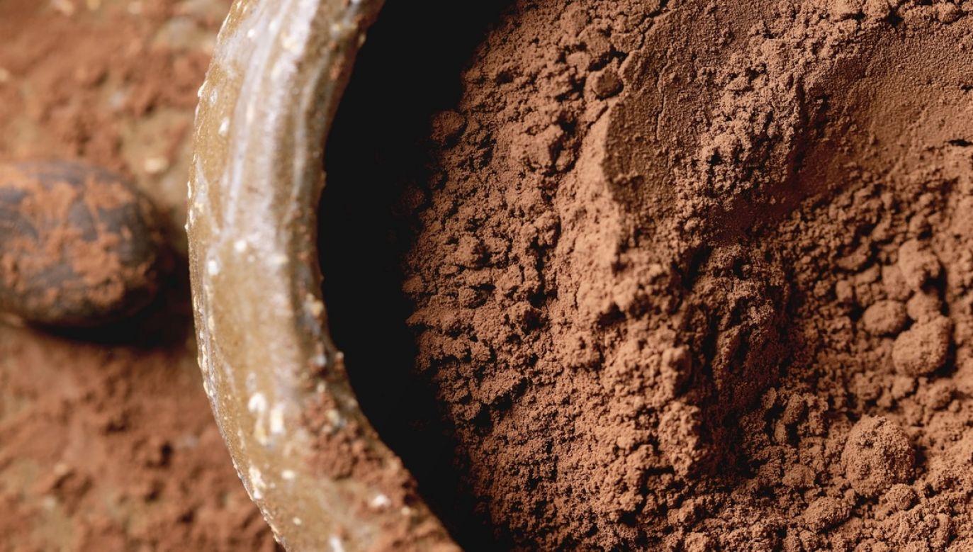 """""""Śnieg"""" z proszku kakaowego spadł w mieście Olten w Szwajcarii z powodu usterki w fabryce czekolady (fot. Getty Images, zdjęcie ilustracyjne)"""