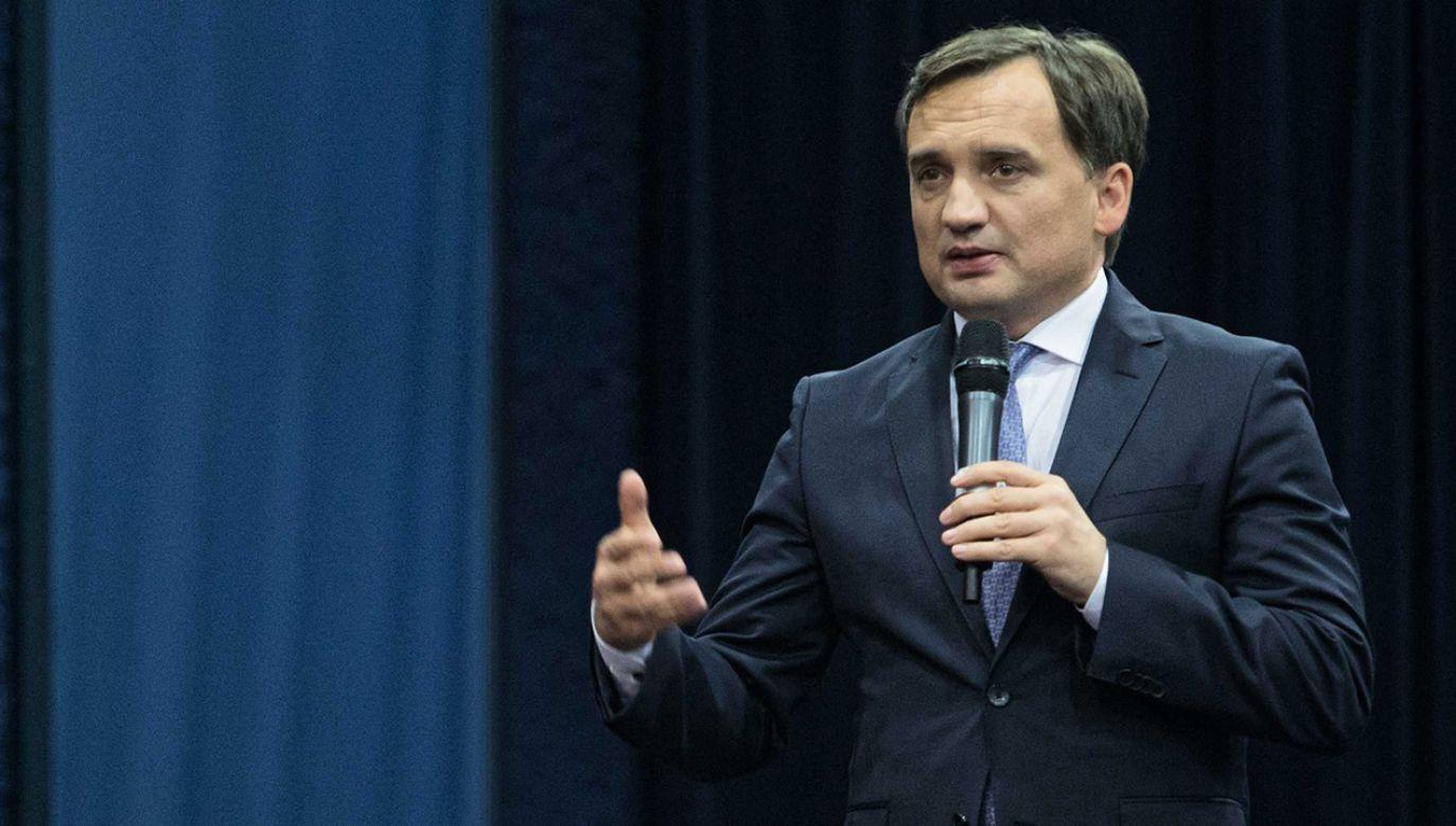 Zbigniew Ziobro skomentowal medialne informacje na temat strony SokzBuraka  (fot. PAP/Wojciech Jargiło)