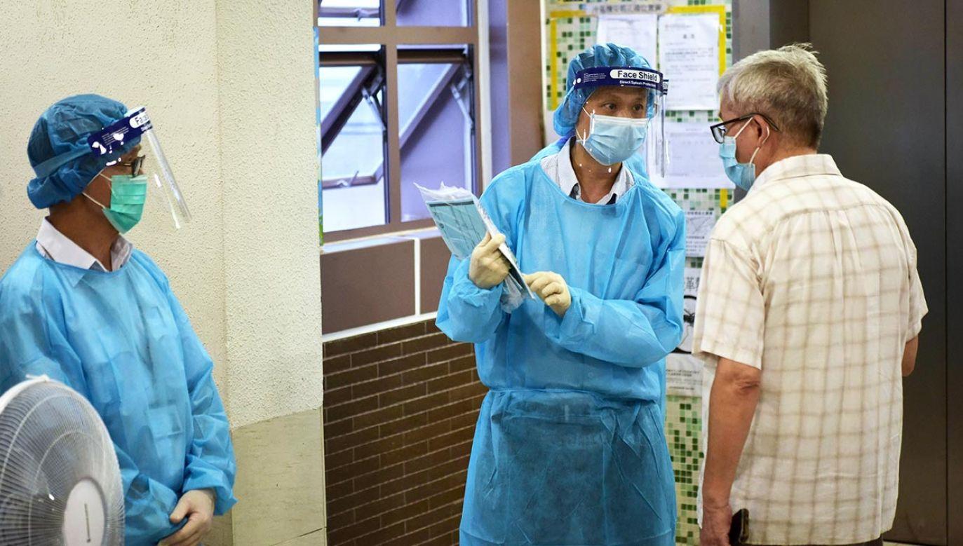 Władze zapowiedziały również zwiększenie liczby wykonywanych testów (fot. Li Zhihua/China News Service via Getty Images)