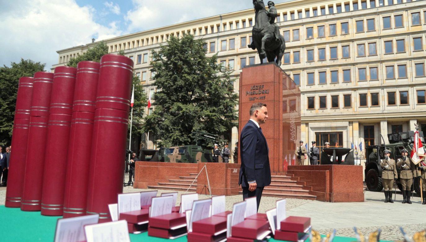 Prezydent wręczył żołnierzom nominacje i odznaczenia (fot.PAP/Hanna Bardo)