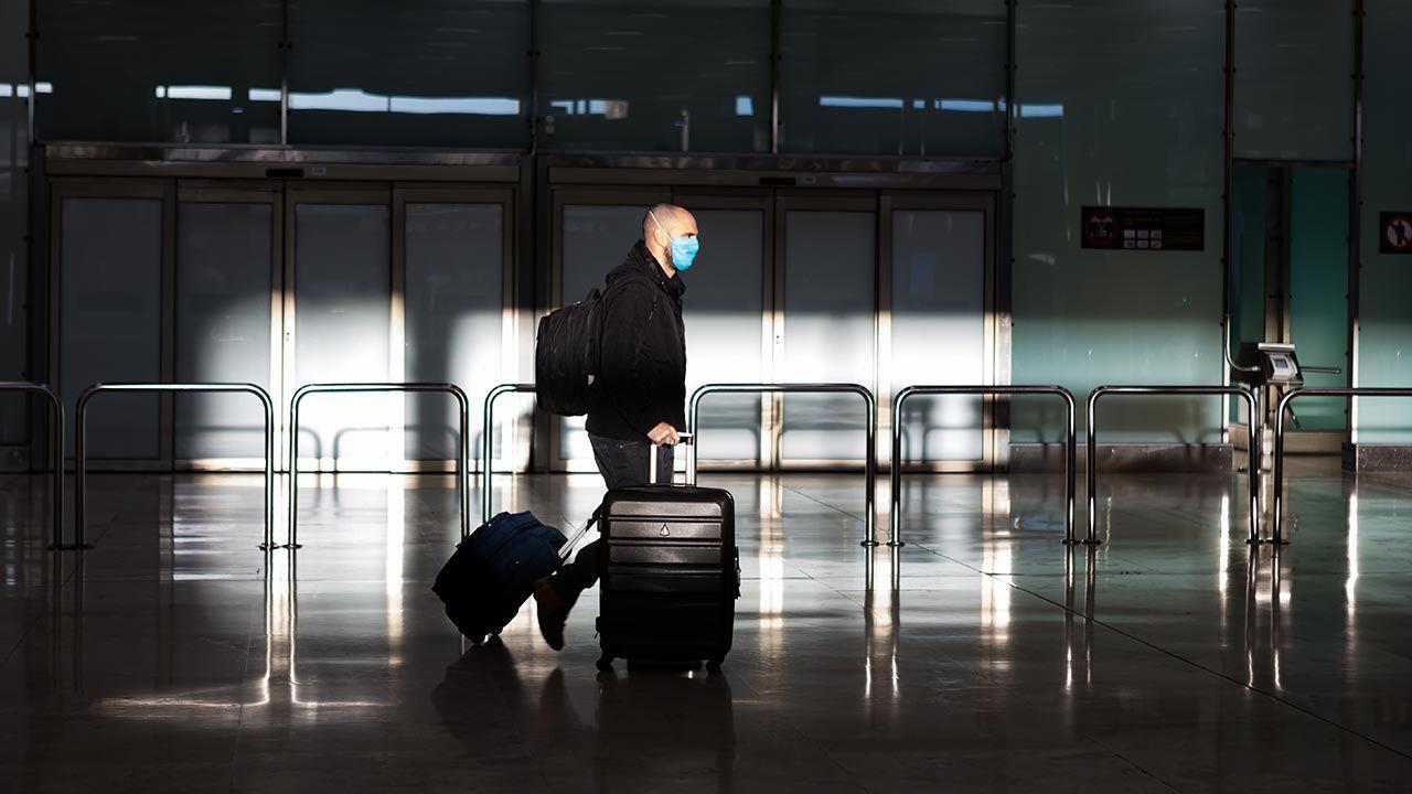 Najpierw musi pojawić się odpowiednie rozporządzenie KE ws. paszportów covidowych (fot. David Benito/Getty Images)