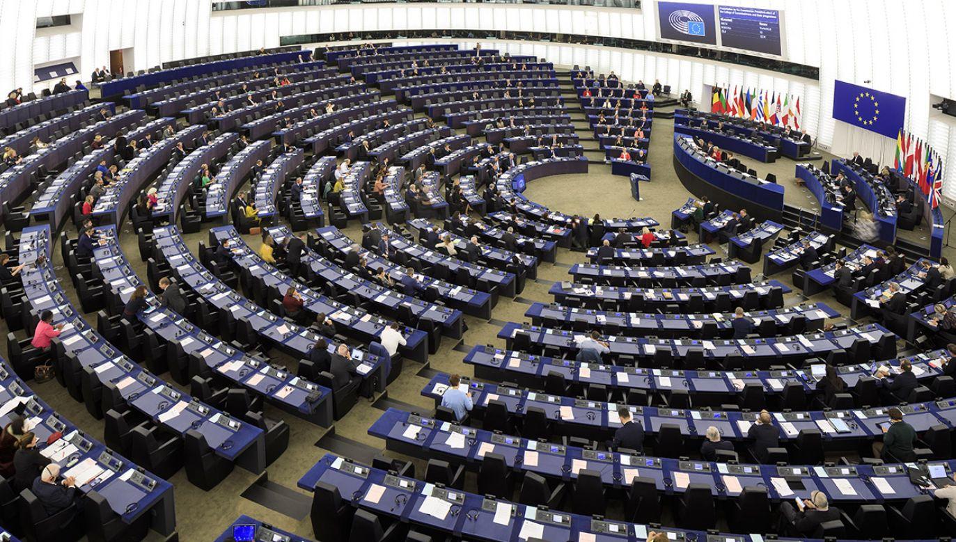 Spośród polskich europosłów za przyjęciem rezolucji głosowali ci wybrani z list Koalicji Europejskiej i Wiosny (fot. Thierry Monasse/Getty Images)