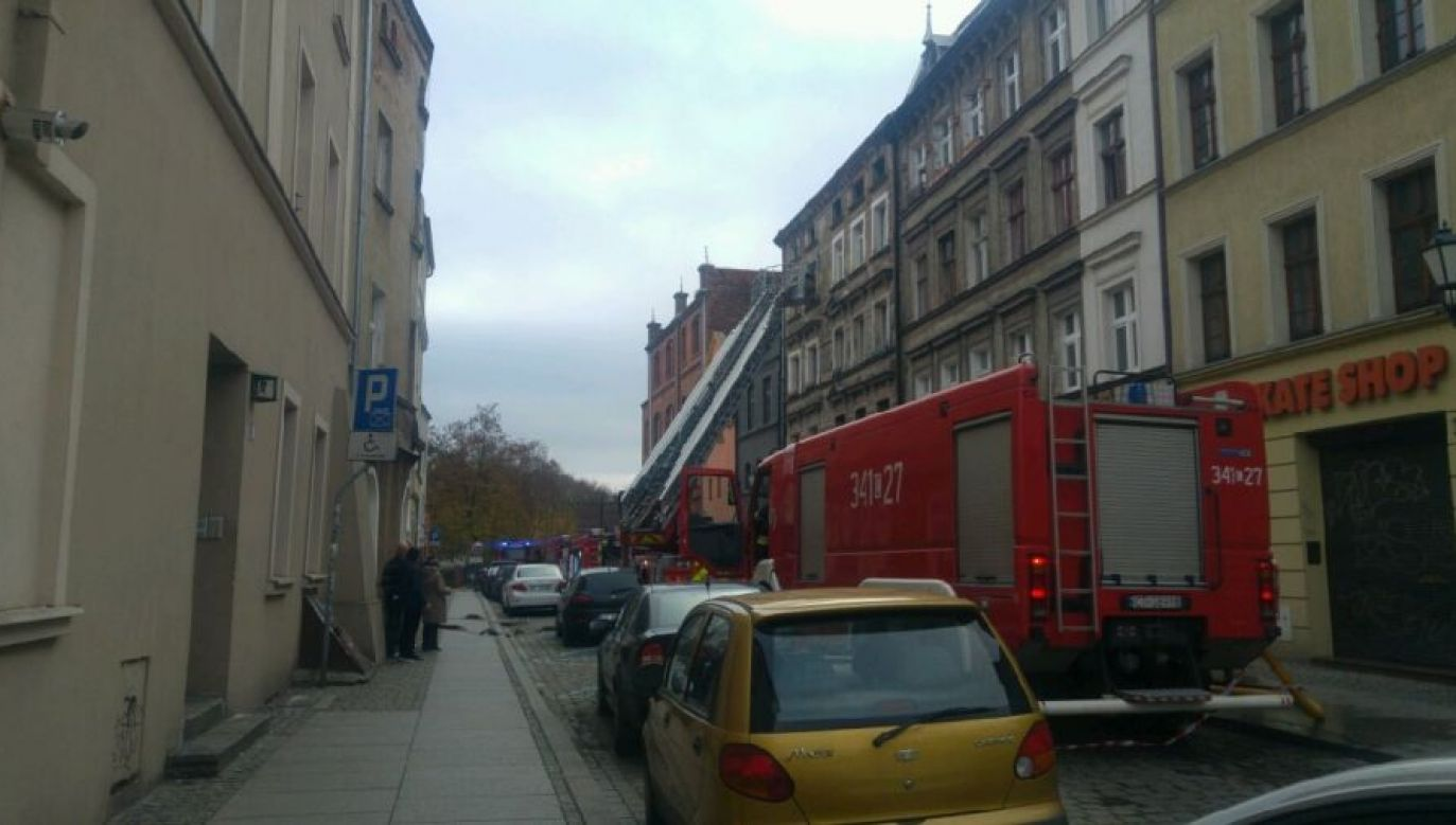 Strażacy z budynku ewakuowali dwie osoby (fot.Pożar wybuchł niedaleko Rynku Nowomiejskiego (fot. Michał Górski/TVP3 Bydgoszcz))