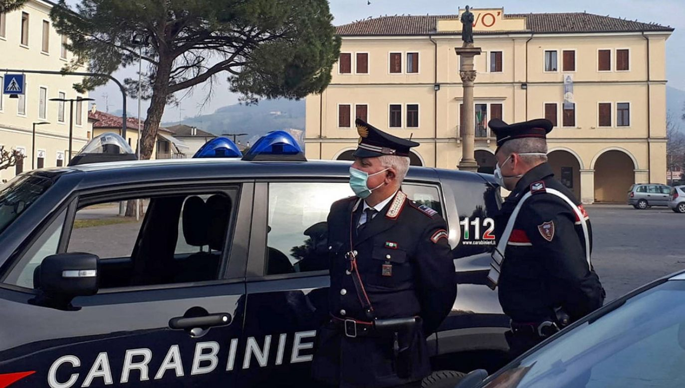 Podczas operacji aresztowano 53 osoby, a 12 trafiło do aresztu domowego (fot. PAP/EFE/Andrea Canal)
