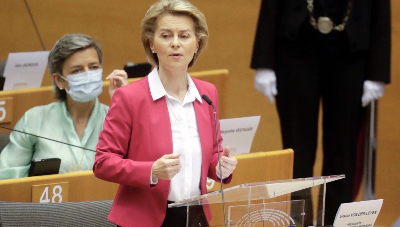 Ursula von der Leyen, przewodniczący Komisji Europejskiej (fot. PAP/EPA/OLIVIER HOSLET)