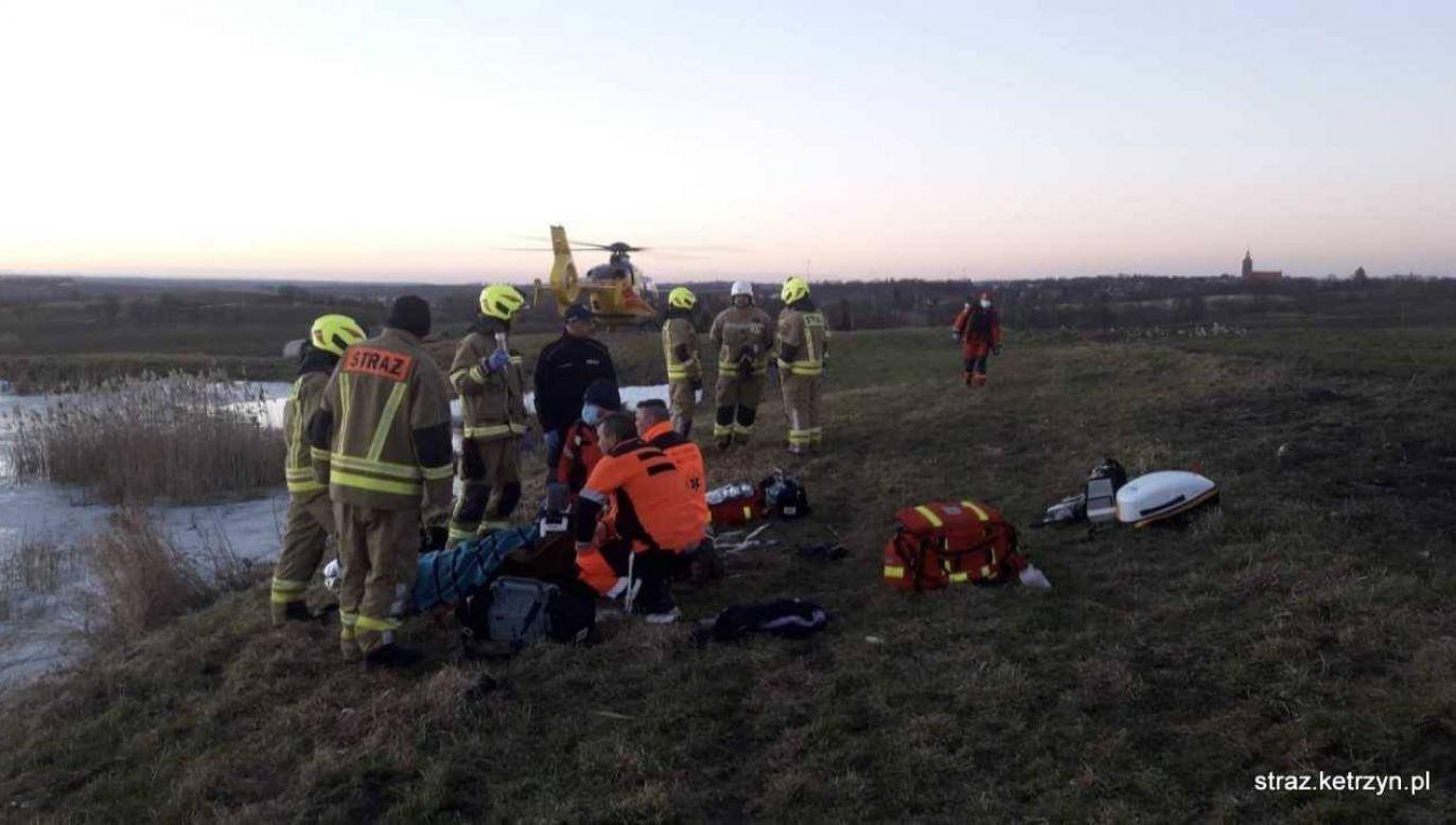 Mężczyznę reanimowano półtorej godziny (fot. Straż Pożarna Kętrzyn)