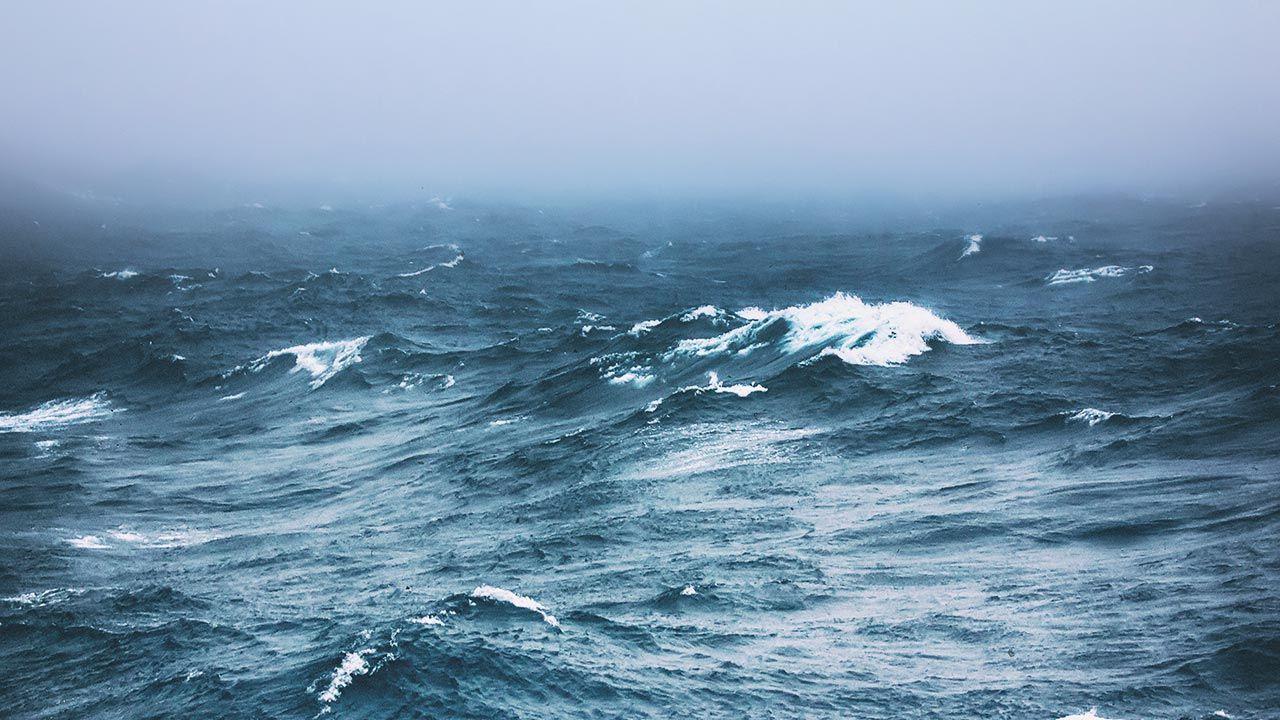 Przyczyną zatonięcia miało być oblodzenie (fot. Shutterstock/Maximillian cabinet)