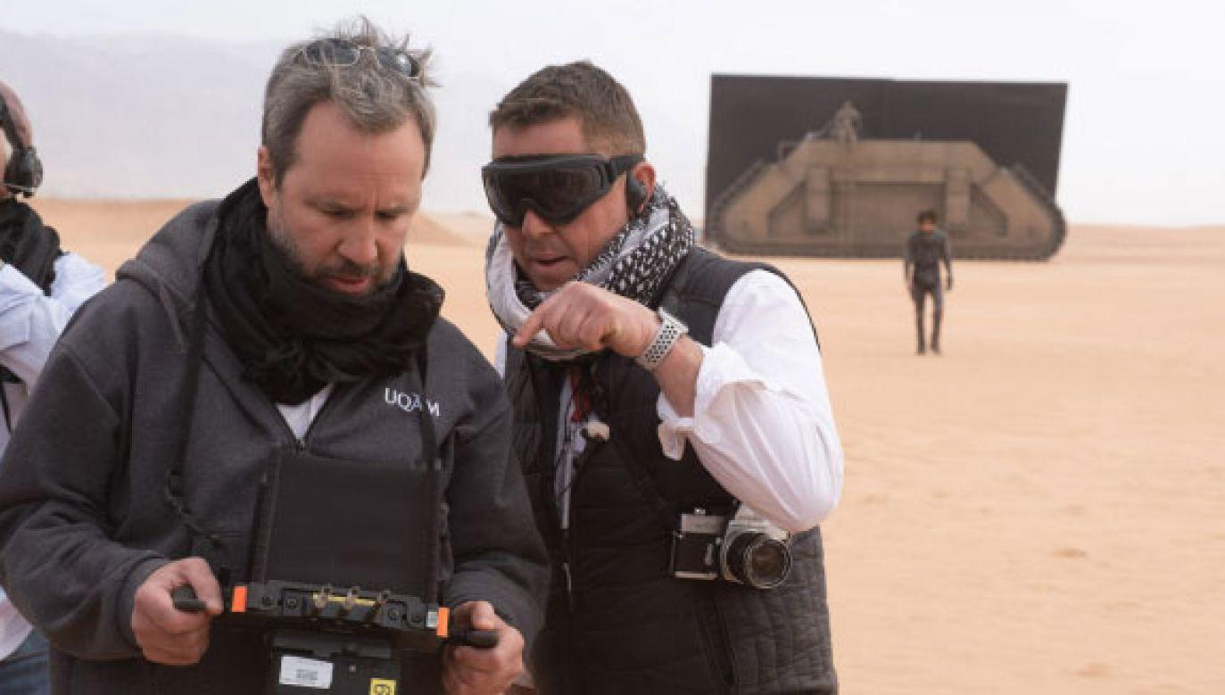 "Reżyser Denis Villeneuve i autor zdjęć Greig Fraser  na planie filmu ""Diuna"" (fot. Chiabella James/ materiały prasowe)"