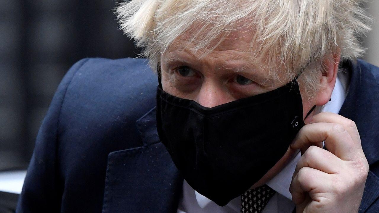 Johnson odniósł się także do decyzji o poluzowaniu restrykcji (fot. Toby Melville/Reuters)