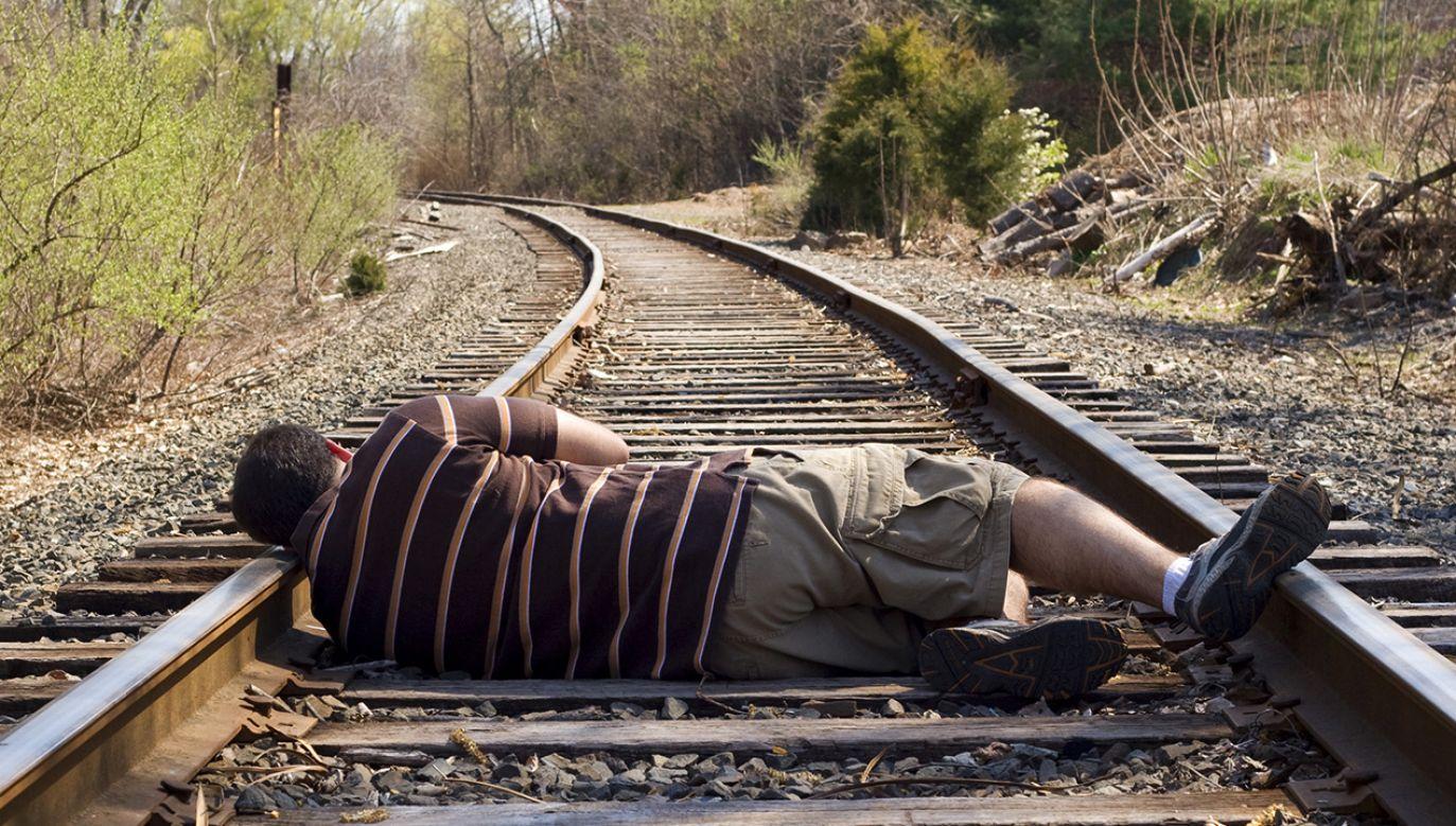 53-latek stracił równowagę w wyniku choroby (fot. Shutterstock/ ARENA Creative)
