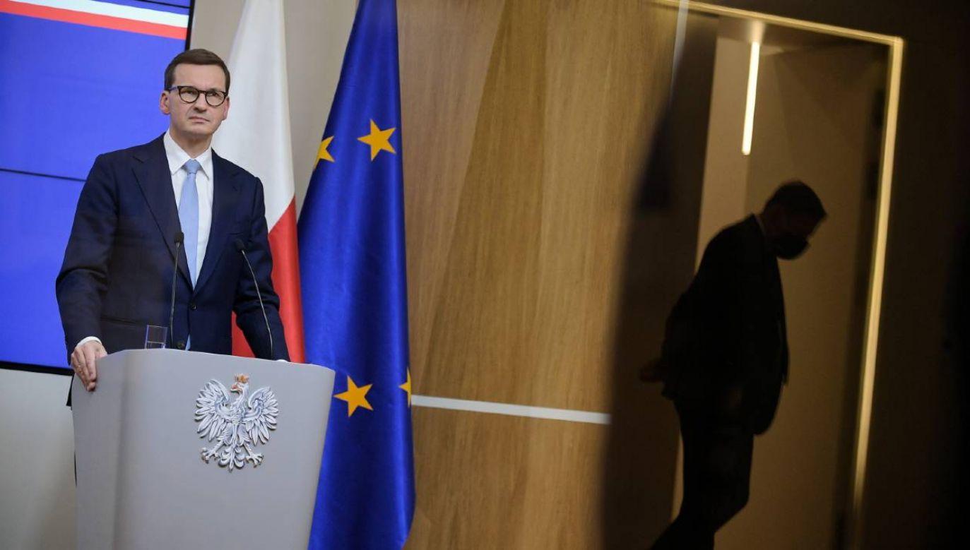 Premier Mateusz Morawiecki po posiedzeniu RE w Brukseli (fot. PAP/Marcin Obara)