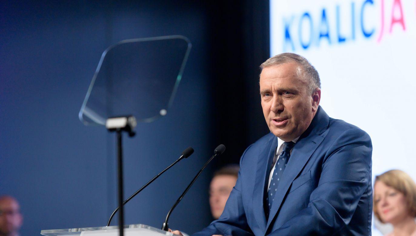 Lider PO Grzegorz Schetyna w czasie konwencji wyborczej Koalicji Obywatelskiej w Poznaniu (fot. PAP/Jakub Kaczmarczyk)