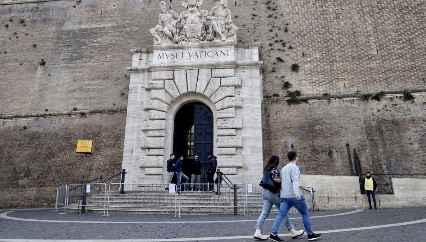 W związku z pandemią bilety trzeba rezerwować na stronie internetowej Muzeów Watykańskich (fot. Massimo Di Vita/Archivio Massimo Di Vita/Mondadori Portfolio via Getty Images)