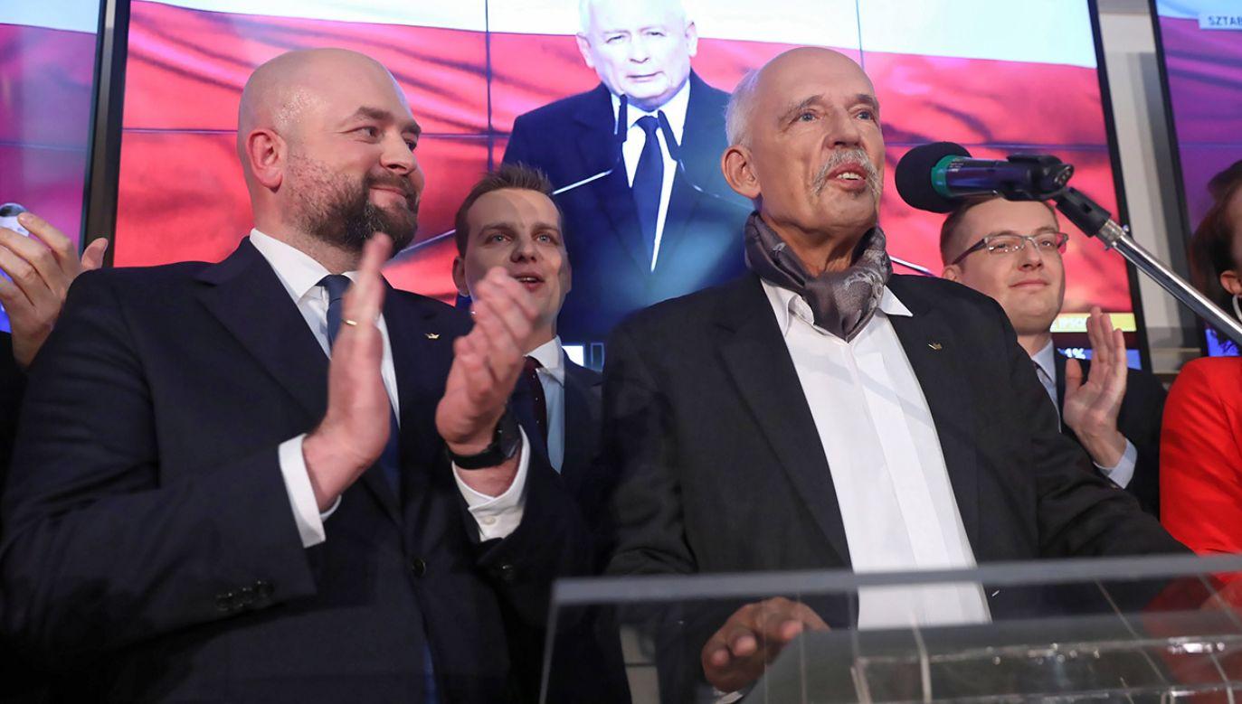 Janusz Korwin-Mikke zasiądzie w Sejmie IX kadencji (fot. PAP/Tomasz Gzell)