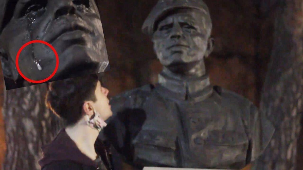 Student opluł pomniki w parku (fot. Facebook/Franek Vetulani)