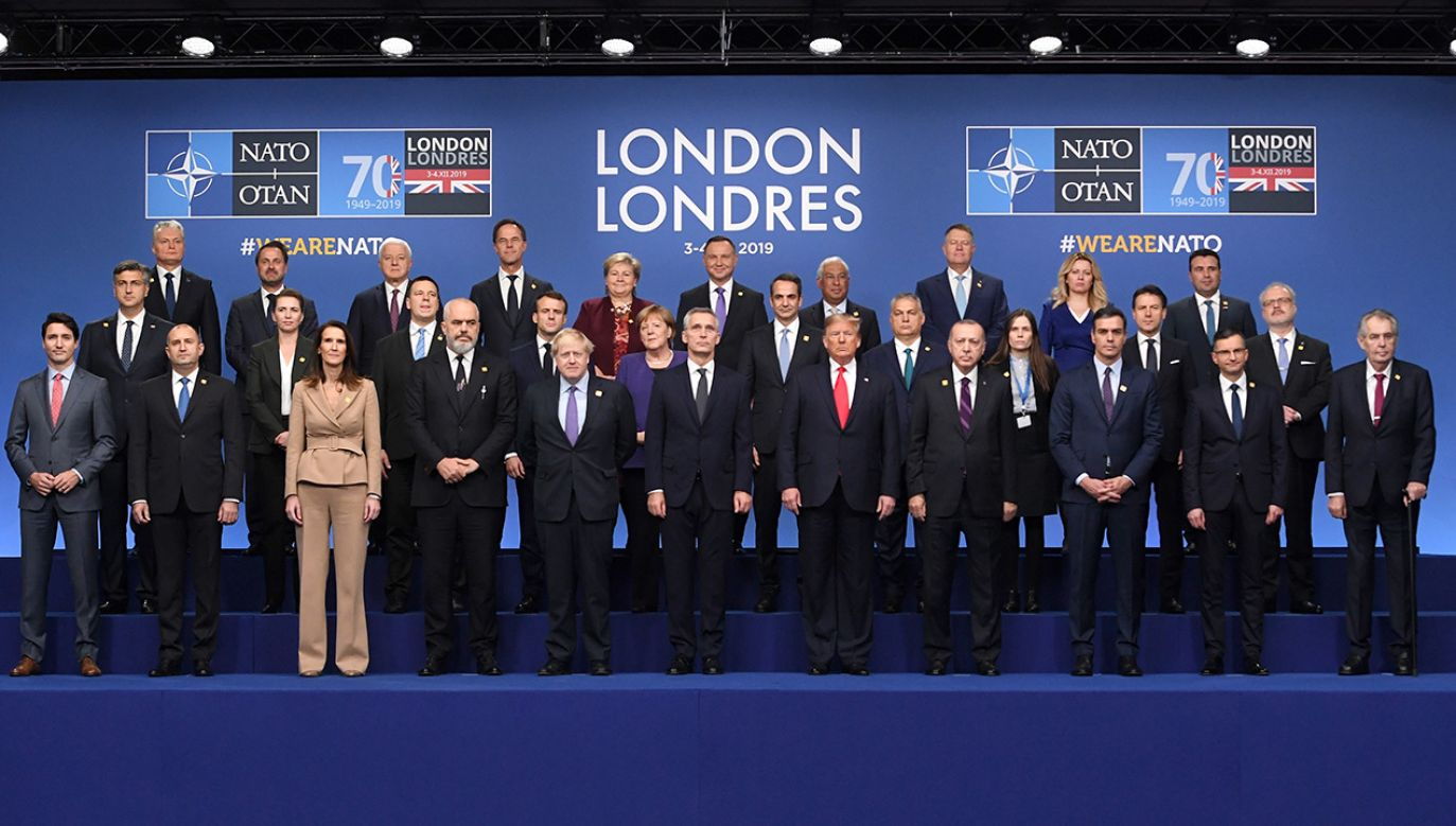 Oceny szczytu NATO (fot. PAP/EPA/FACUNDO ARRIZABALAGA)