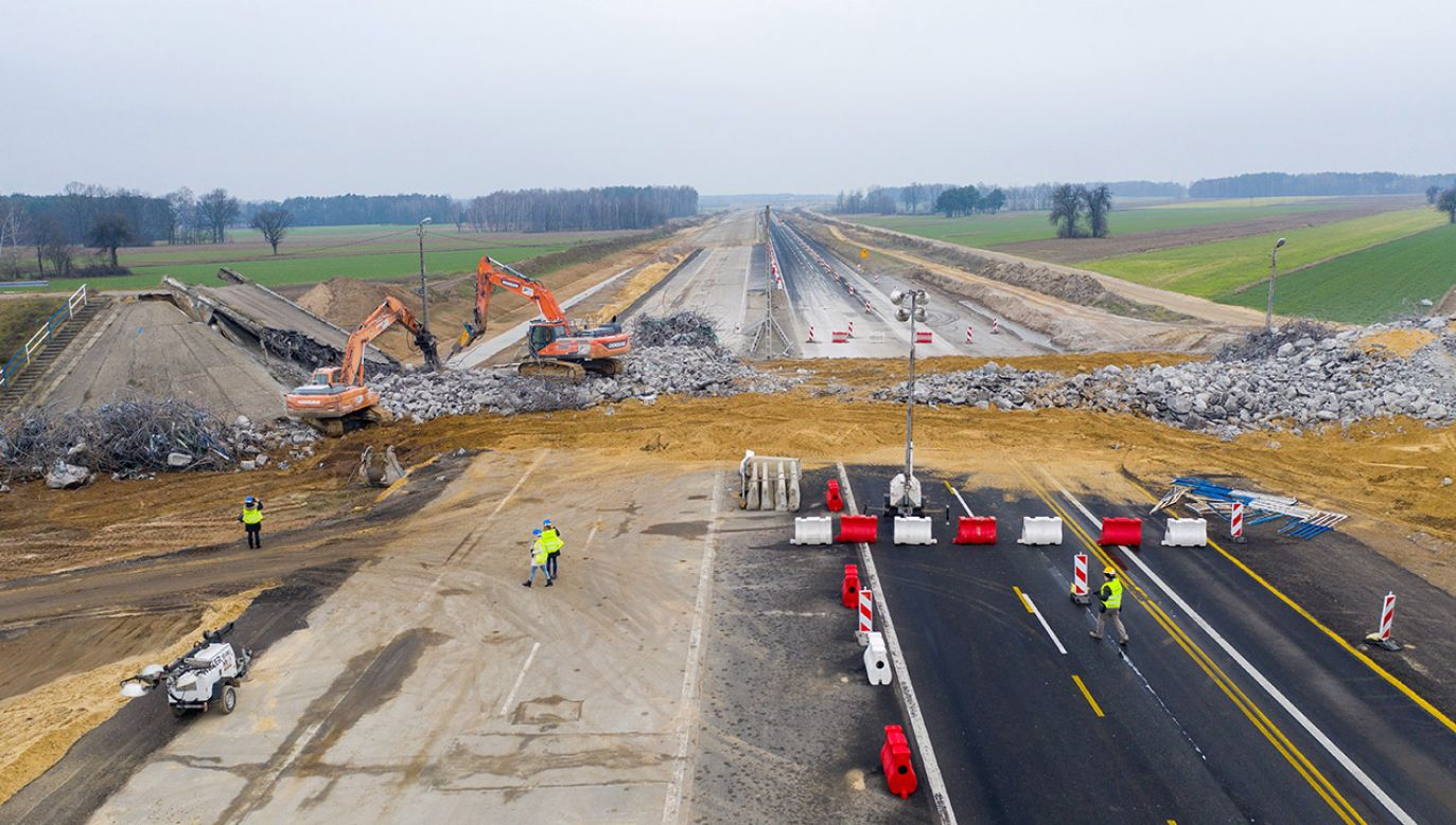 Minister Adamczyk zapowiedział, że program budowy autostrad zostanie zakończony w roku 2025 (fot. PAP/Grzegorz Michałowski)