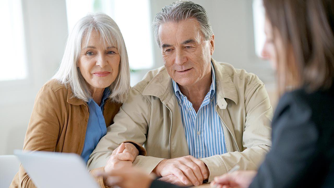 Osoby posiadające aktywa w OFE będą mogły zdecydować, co zrobić z pieniędzmi (fot. Shutterstock/goodluz)