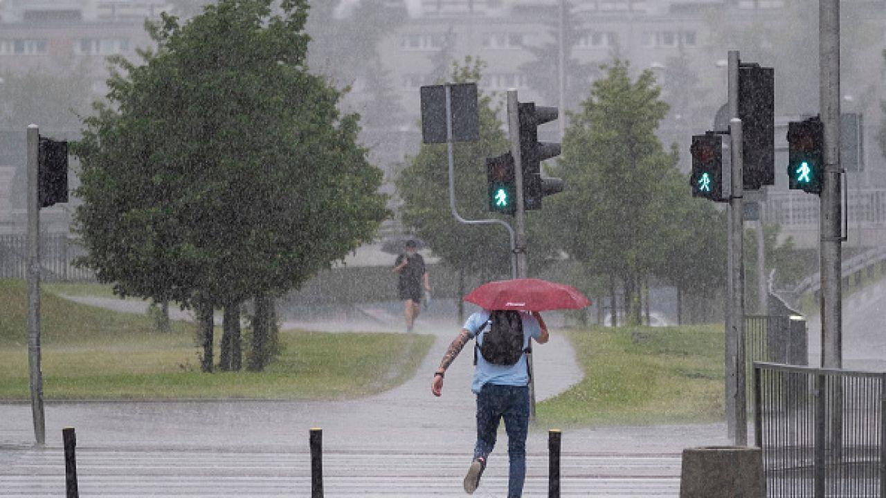 W całym kraju opady deszczu (fot. Getty Images)