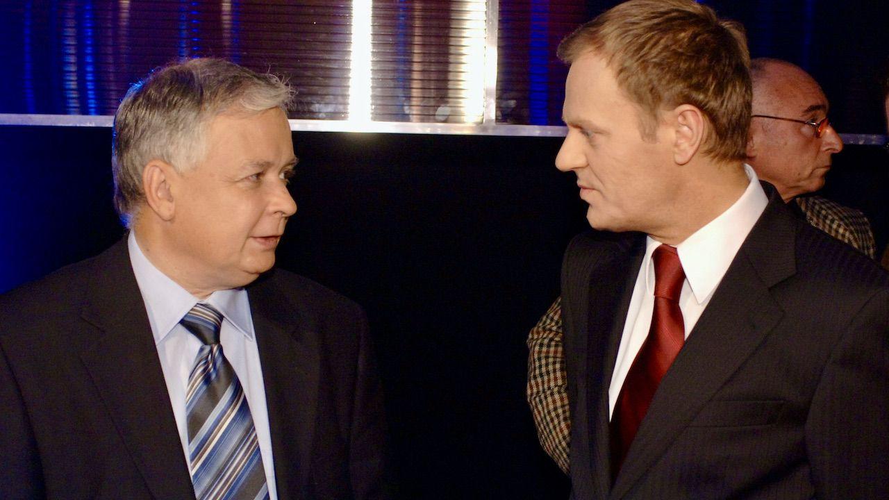 Lech Kaczyński i Donald Tusk (fot. arch.TVP/PAP/J.Bogacz)